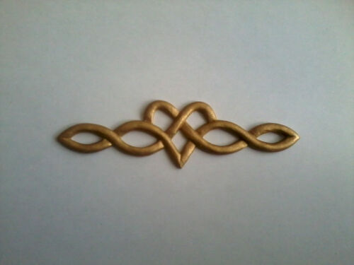 Decorative Resin Moulding Traditional Celtic Love Heart Gold Painted Finish