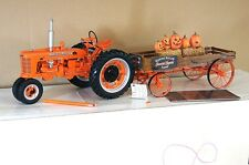 FRANKLIN MINT FARMALL H TRACTOR & HALLOWEEN HAYRIDE WAGON 1/12 MINT BOXED mx