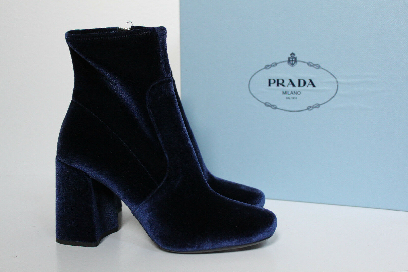 New sz 6.5 / 37 PRADA Blue Velvet Round Toe Ankle Boots Bootie Womens Shoes