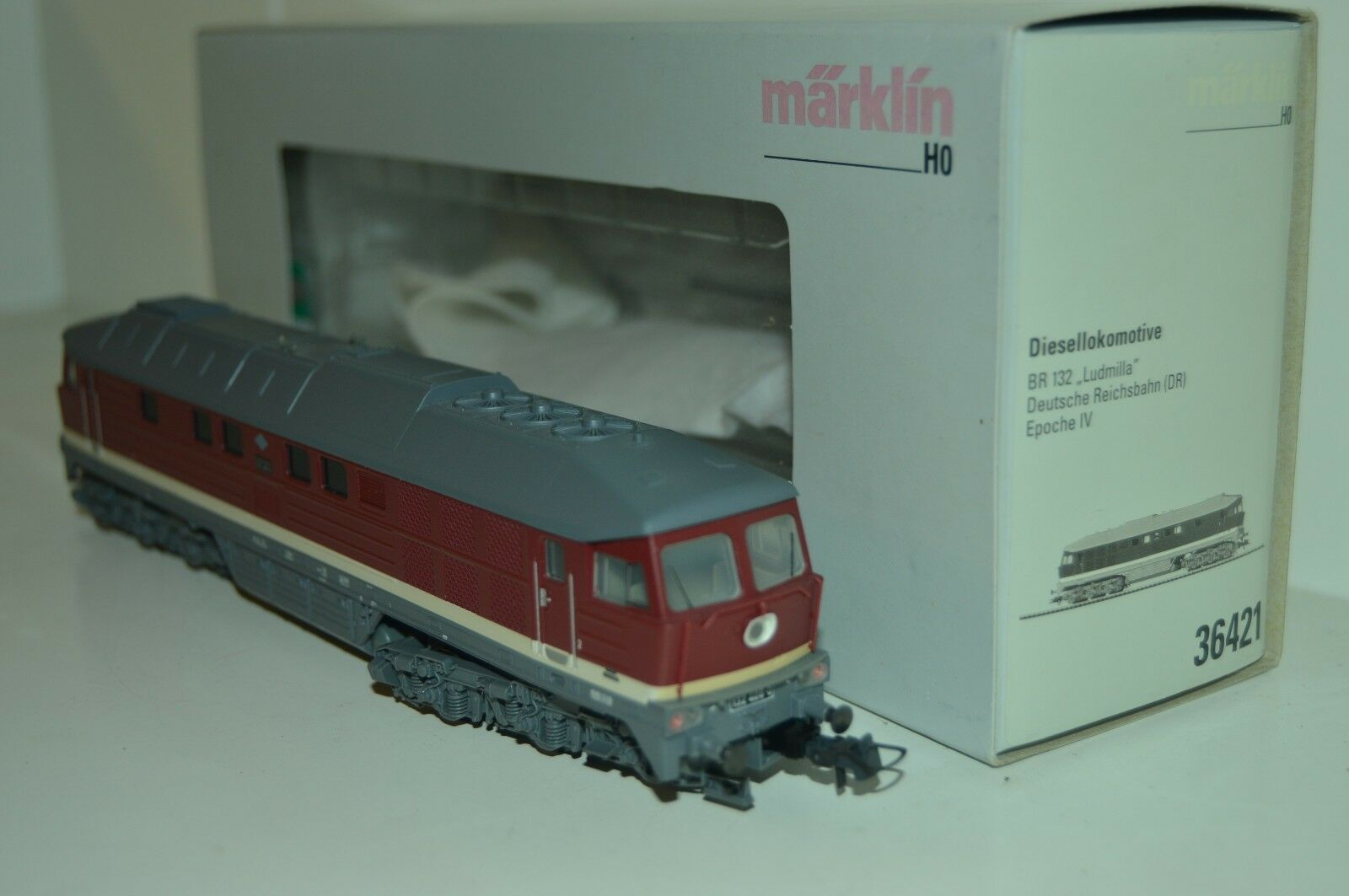 Locomotora diesel pesada Diesellokomotive 36421. 132-406-0 Ludmilla