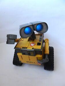 Disney-Pixar-large-Wall-E-U-Command-toy-Thinkway-Toys-no-remote