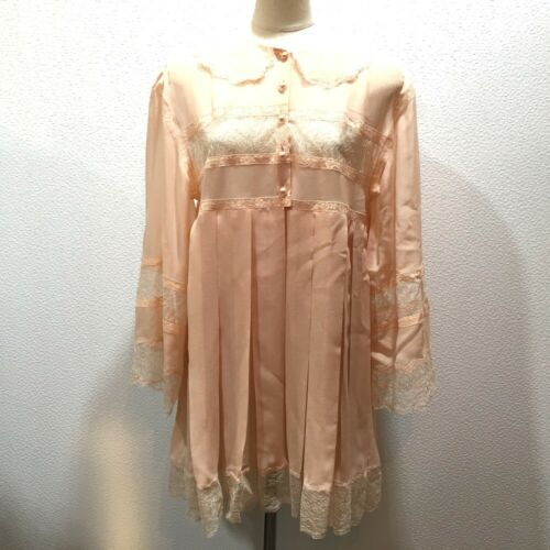 UNUSED CHANEL Lace 17S Dress Salmon Pink