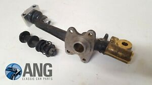TRIUMPH-TR4A-TR5-TR6-NOS-FRONT-LH-VERTICAL-LINK-TRUNNION-amp-BUSH-KIT-307216