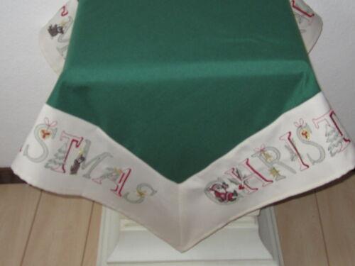 Tischdecke;ca.85cmx85cm;Stickerei:Christmas,Nikolaus,Glocken,Tannenbaum;Bär;Ilex