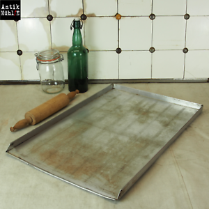 Altes Backblech / Aluminium / rechteckig / Länge 63 cm Breite 42 cm Höhe 2,5 cm