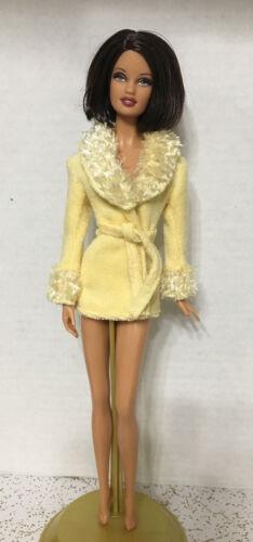 Barbie My Scene Model Muse Kenzie Doll/'s Fluffy Collar Yellow Terry Bath Robe