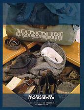 PUBLICITE ADVERTISING 015  2004  NAPAPIJIRI  pret à porter  GEOGRAPHIC