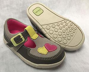 Girl Clarks f zapatos Cuero gamuza E Hug de Crazy Bnib Primeros h Ajuste Gris g qwR7nd
