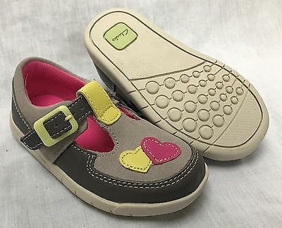 BNIB Clarks Girl Crazy Tale Hot Pink T Bar Leather First Shoes E//F//G//H Fitting