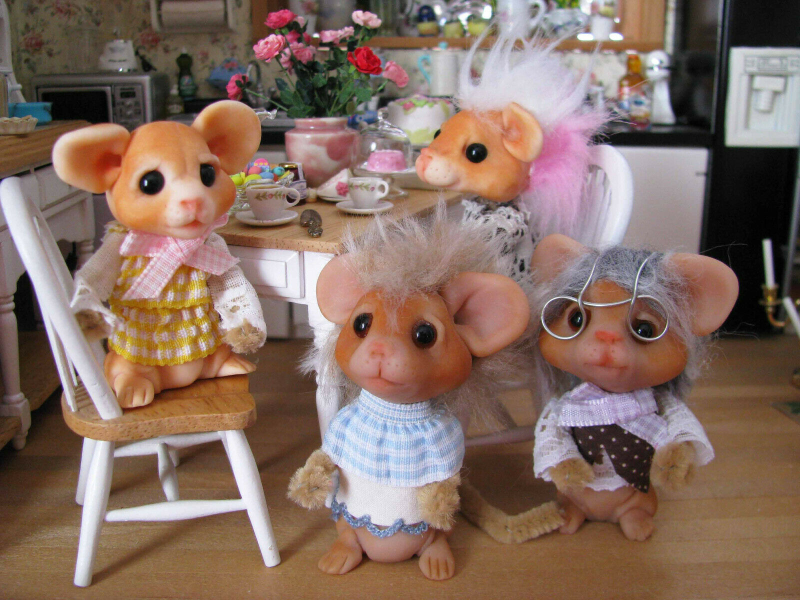 OOAK Lori Marple Sculpted Mouse Family - Dollhouse Mice Character Dolls SIGNED