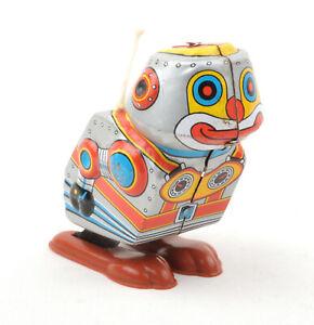 Yonezawa-Toys-Yone-Japan-Tinplate-Clockwork-Jumping-Robot-Silver-No-2097