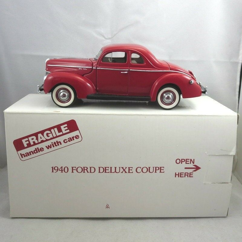 Danbury Mint Red Diecast Model Replica 1940 Ford Deluxe Coupe in Original Box