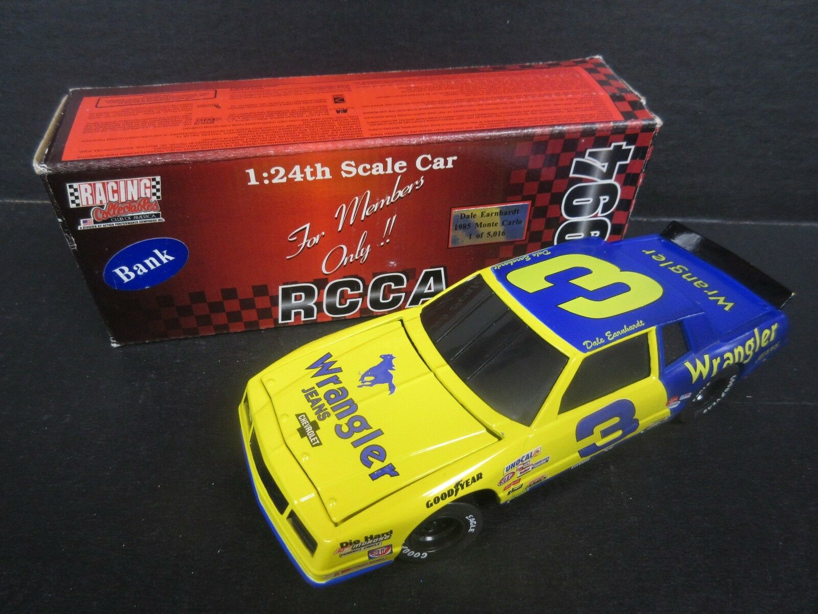 1994 RCCA Dale Earnhardt--Wrangler Earnhardt--Wrangler Earnhardt--Wrangler Bank Car -- 1 24th scale 5102db