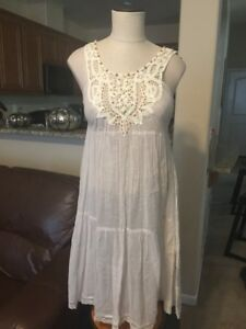NWT-Free-People-Ivory-amp-Gold-Striped-Crocheted-Tunic-Dress-Size-8-Back-Tie