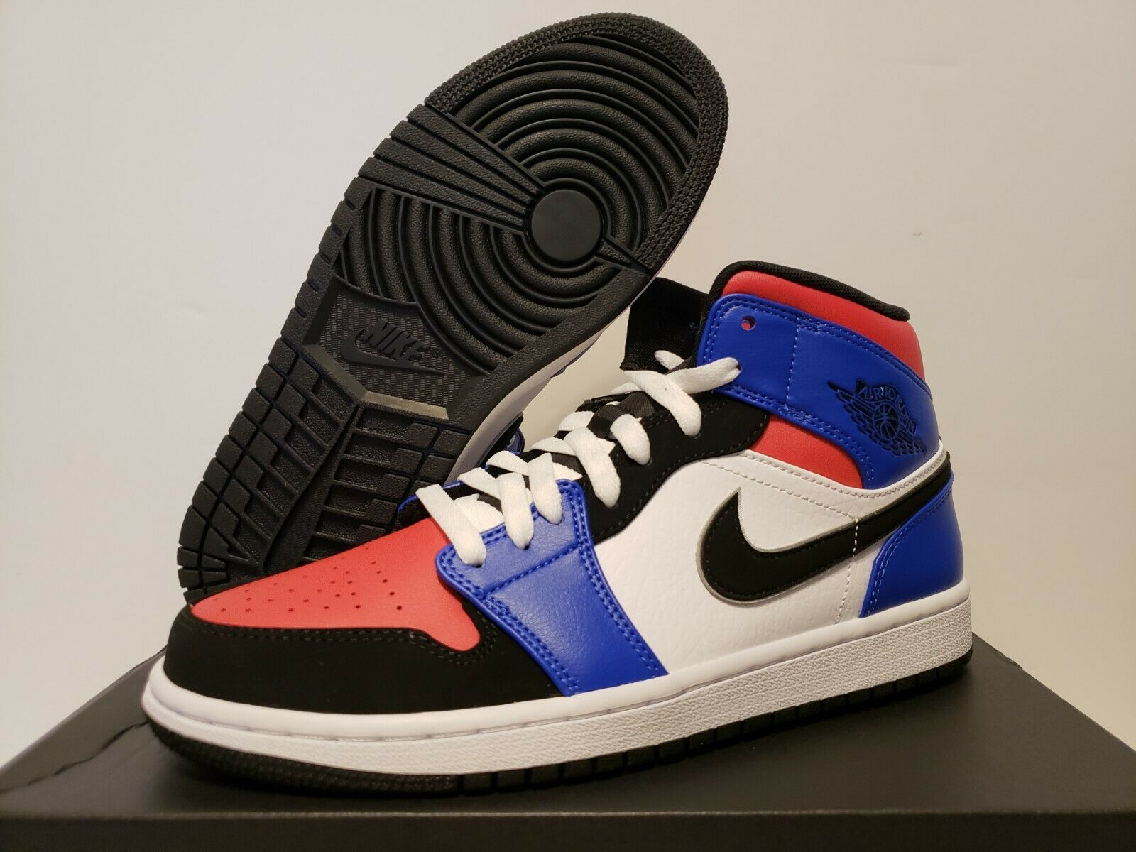DS Air Jordan 1 Retro Mid TOP 3 Size 8.5