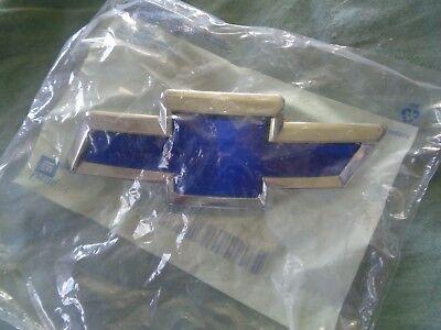 1995-2001 Chevrolet Lumina Front Grille Blue Bowtie Emblem new OEM 10178405