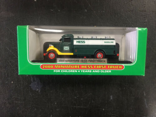 2000 MINI HESS FIRST TRUCK NEW IN THE BOX