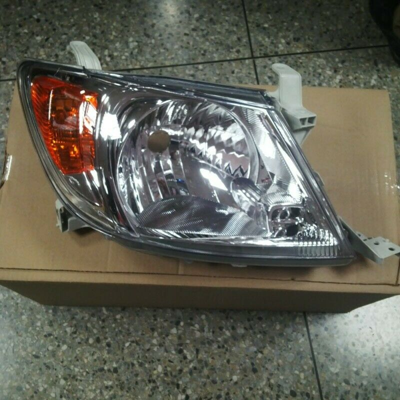 TOYOTA HILUX 2005/09 Brand new Headlight for sale Price:R795