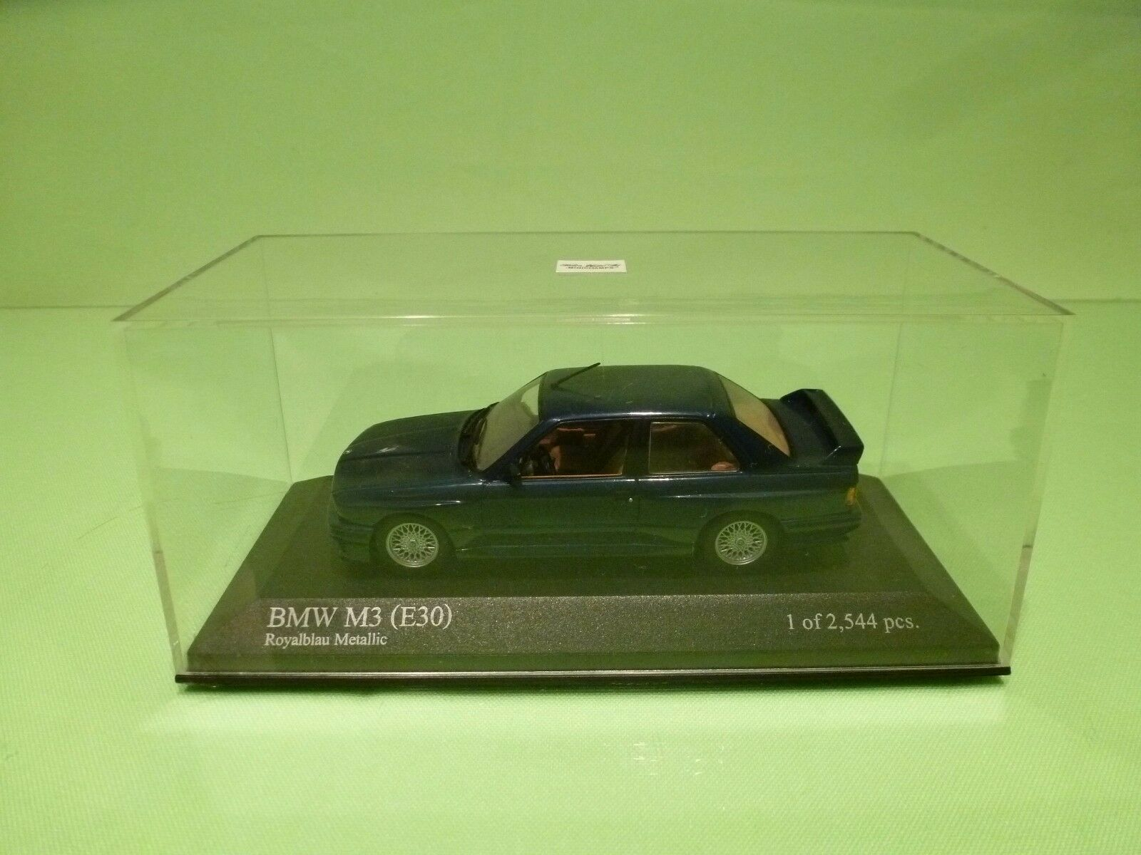 MINICHAMPS BMW M3 E30 - ULTRA RARE METALLIC ROYAL bleu 1 43 - EXCELLENT IN BOX