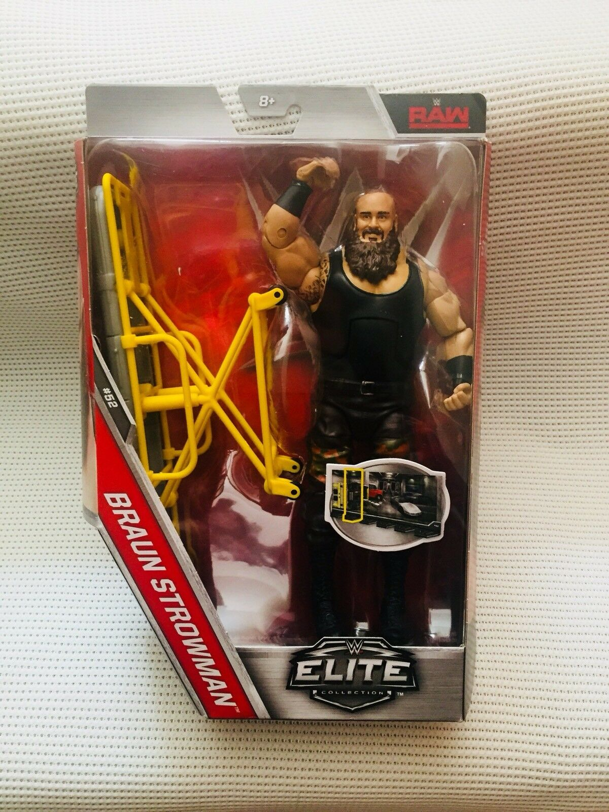 WWE ELITE SERIES 52 brown STROWMAN ACTION FIGURE