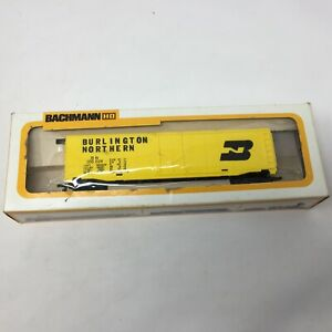 HO-Scale-Burlington-Northern-BN-100024-51-039-Steel-Box-Car-Electric-Train-Yellow