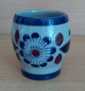 kleine-Keramik-BLUMENMVASE