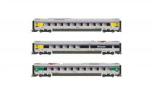 Lima-HL4673-HO-Gauge-FS-Trenitalia-Coach-Set-3-VI