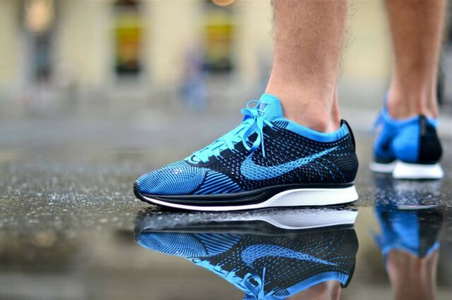 MENS 10 WOMENS 11.5 NIKE FLYKNIT RACER RUNNING SHOES PHOTO BLUE BLACK 526628 001