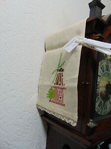 ANTIQUE-EMBROIDERED-CLOCK-RUNNER-WINDMILL