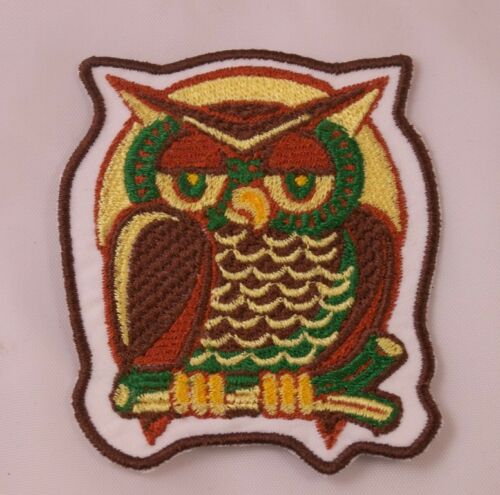 Embroidered Retro Vintage 70s Style Wise Owl Brown /& Gold Patch Iron On Sew USA