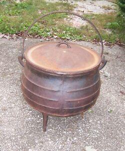 Vintage-Falkirk-Size-14-Large-Cast-Iron-3-Leg-Cauldron-Pot-With-Lid
