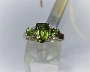 Peridot-Ring-in-Sterling-Silver-4-3-gram-ring