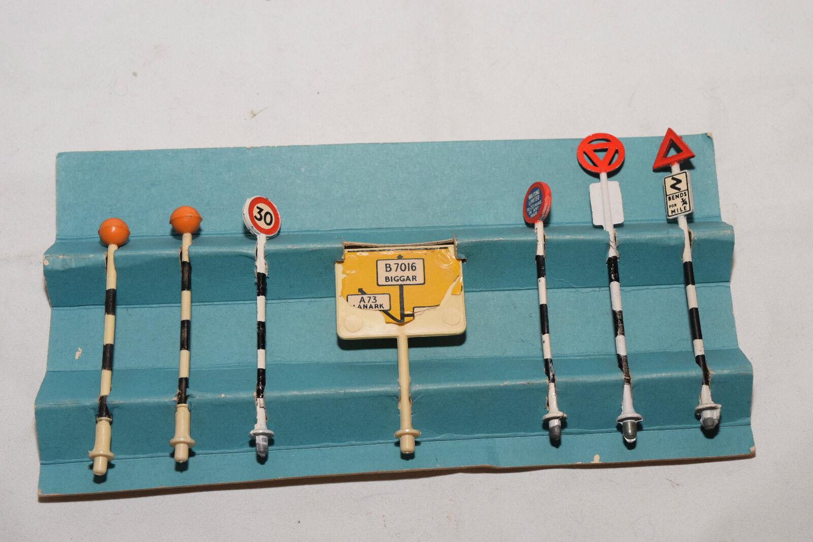 SPOT-ON SPOT ON SPOTON TRAFFIC SIGNS EXCELLENT BOXED RARE SELTEN RARO