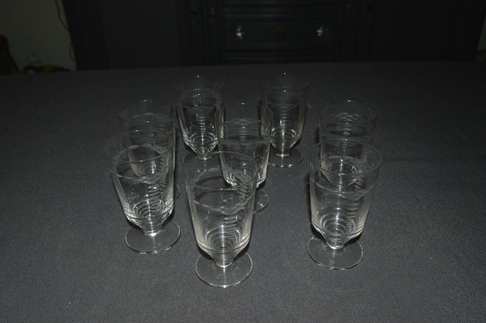 8 GLÄSER ANTIK WEIN- WEIß AUS AUS AUS GLAS GEBLASENES GESCHLIFFEN   JAHRE 30   40 8a6f21