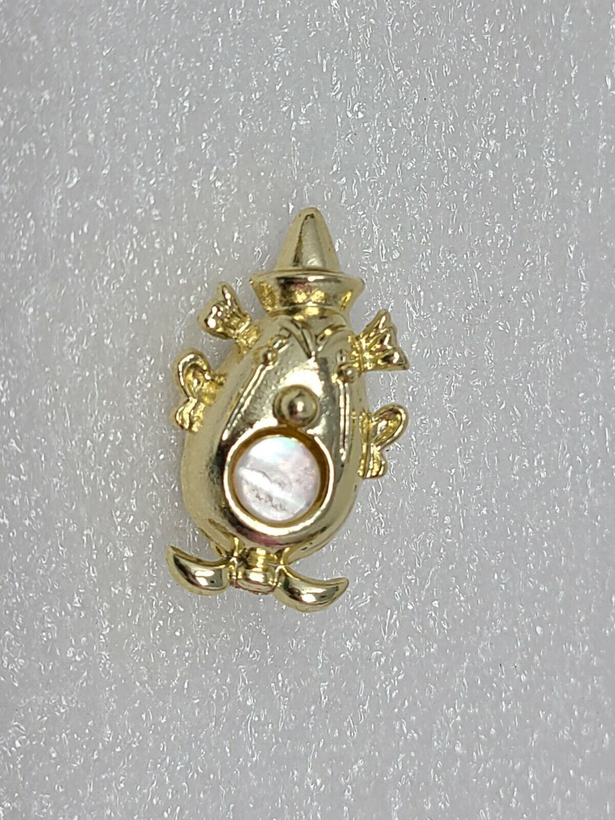 Vintage Novelty Lapel Pin Brooch Gold Tone - image 1