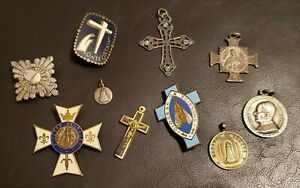 Vintage-Catholic-Medal-Pin-Crucifix-Cross-Lot-Silver-Pope-Congres-Diocese-Enamel