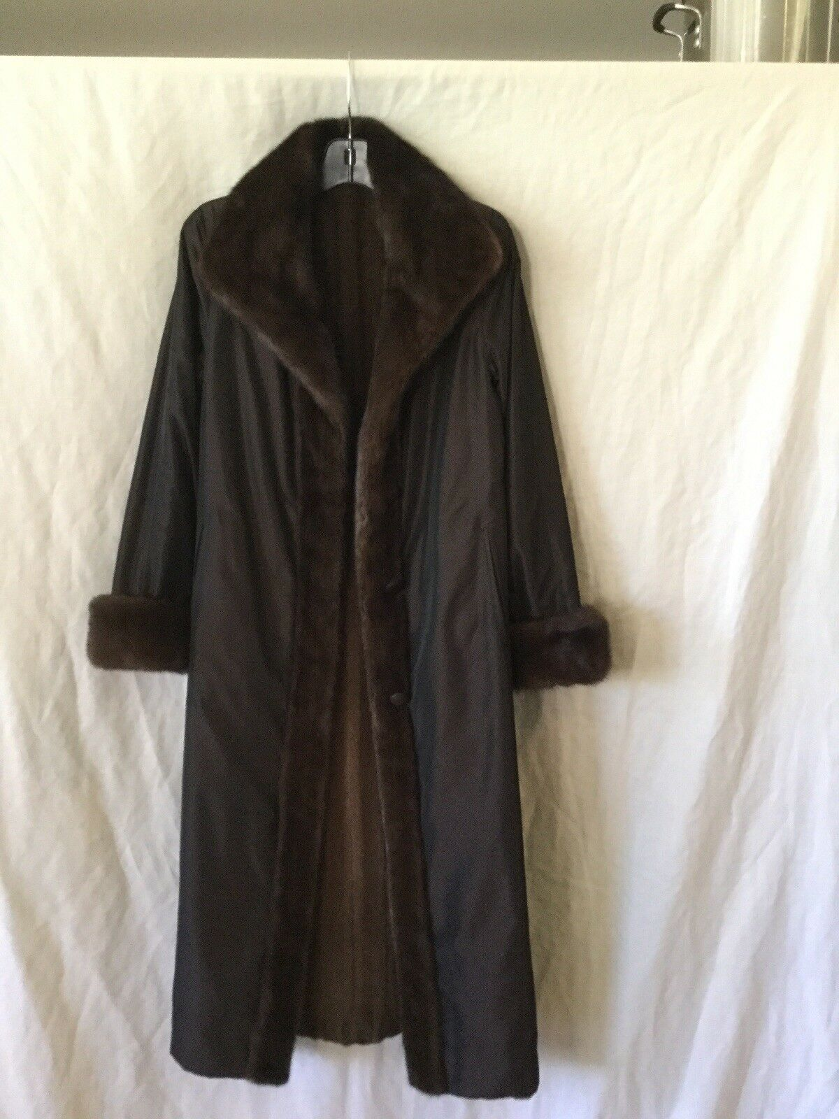EXCELLENT CONDITION - Full Length Reversible Mink  Taffeta coat