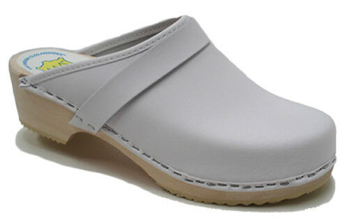 AM-Toffeln 100 Clogs in White - Wooden Footbed