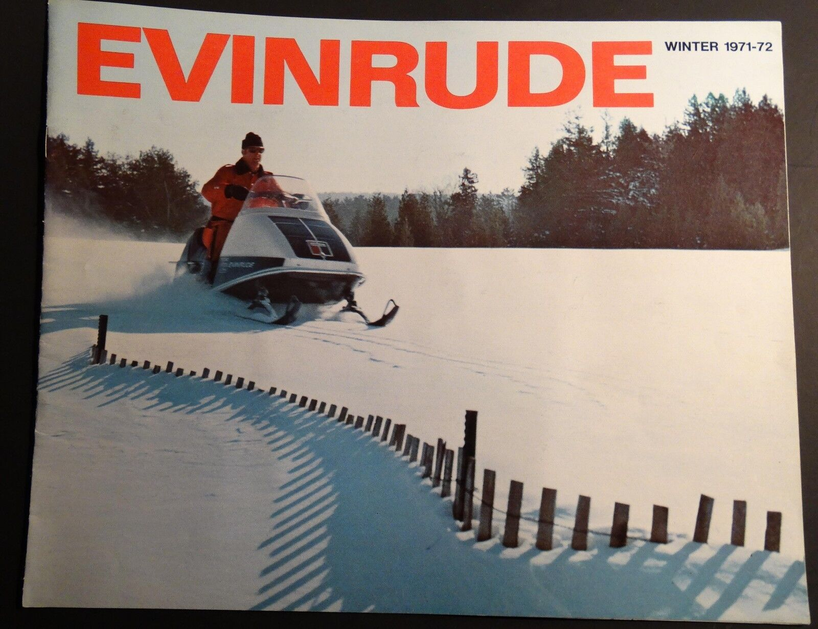 1972 EVINRUDE FULL LINE SNOWMOBILE SALES BROCHURE 12 PAGES  (260)