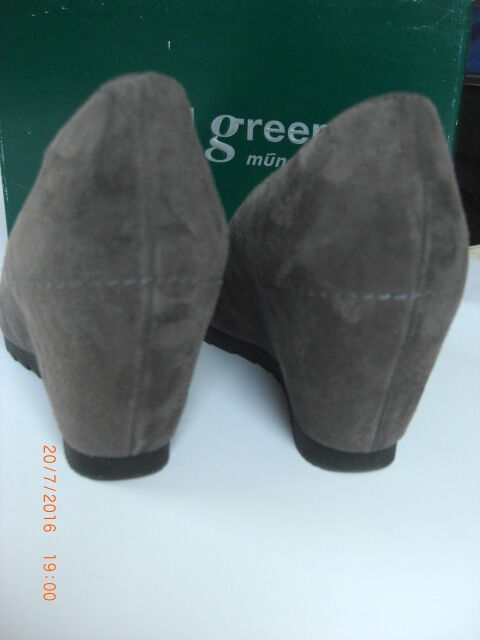 PAUL GREEN Wedge Cashmere Taupe Suede High Wedge GREEN Pump Schuhe Lightly Used 5.5 38.5 4da39c