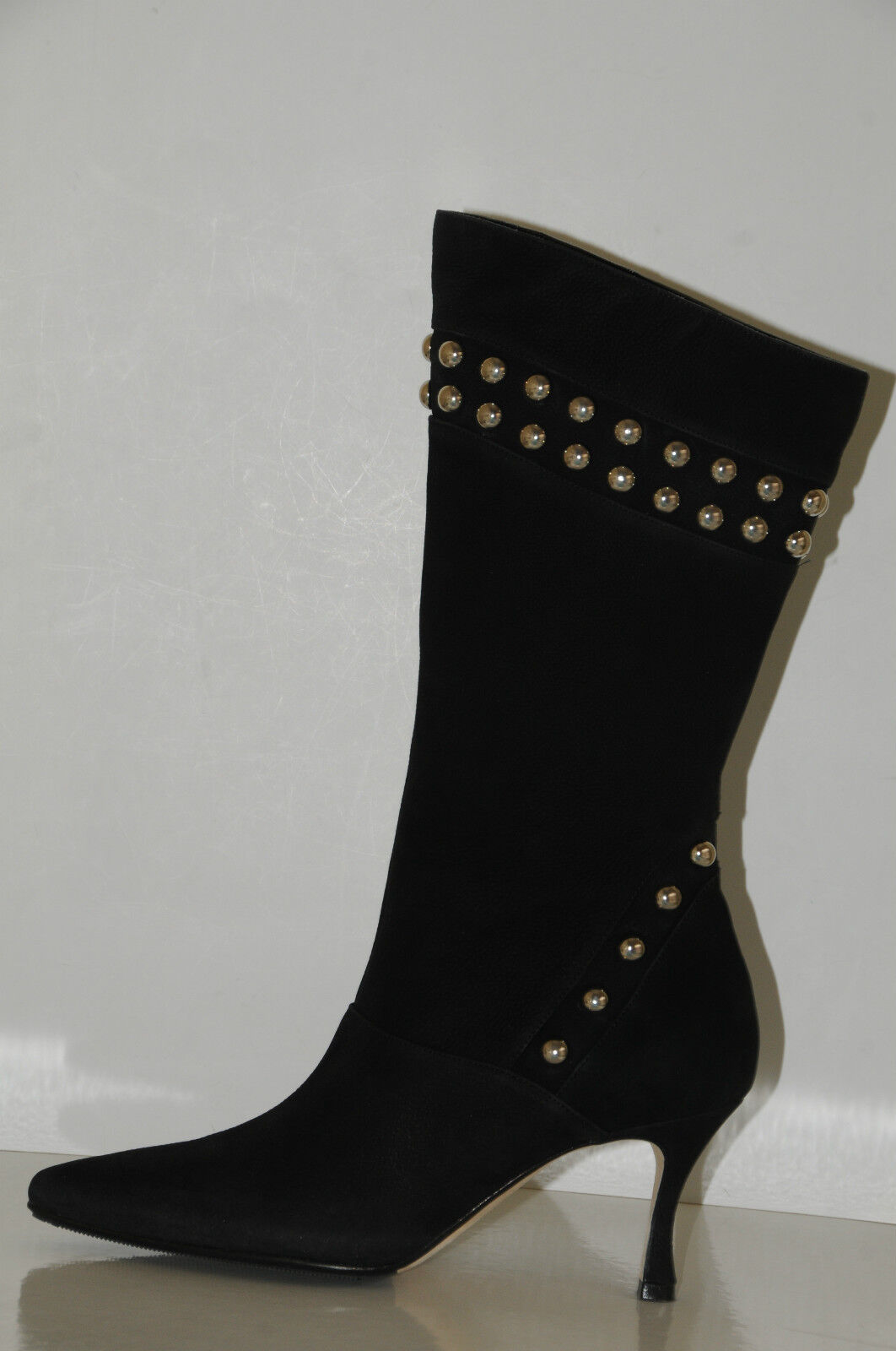 2175   New MANOLO BLAHNIK NENBIEMI BLACK NUBUCK BOOTS w STUDS SHOES 38.5 8
