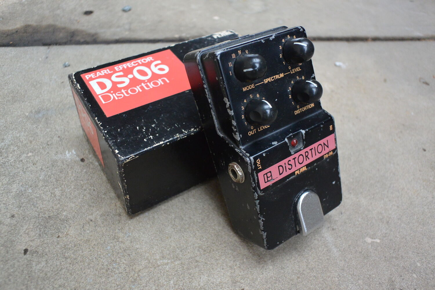 1980's Pearl DS-06 Distortion MIJ Japan Vintage Effects Pedal w Box