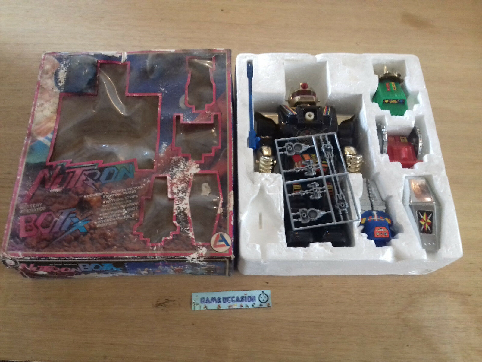 THE NUTRON BOTIX WARRIORS ROBOT TRANSFORMABLE FULL   COMPLETE VINTAGE TOY OLD