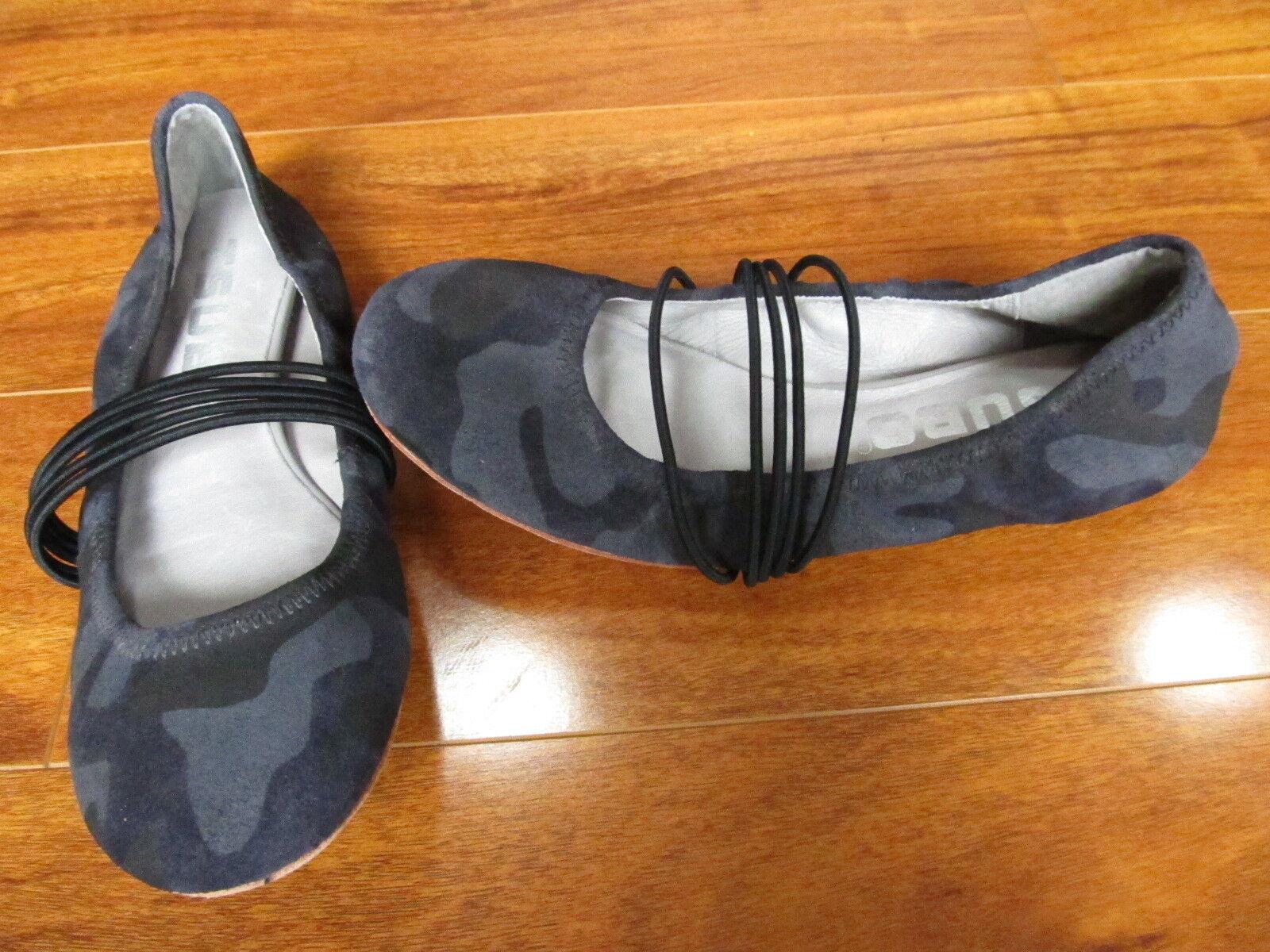 NEW TSUBO HONNOR Ballet Flats Women's Size 7 Elephant Grey CAMO