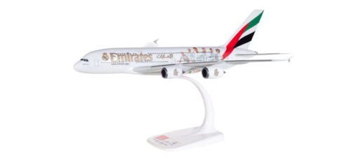 """Herpa 611077  Emirates Airbus A380 /""""Real Madrid/""""  1:250"""