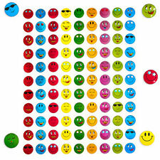 900 x Smiley Face Sticker I Bunt I Glänzender Metallic Look I Niedliche Deko