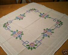 Mitteldecke Baumwolle weiß Kreuzstich-Stickerei Handarbeit Lila 76 cm, Nr. 64