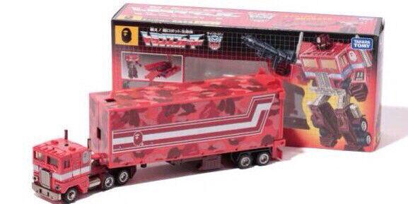 Transformers A Bathing Ape BAPE G1 Optimus Prime convoy rosso Camo LTD Japan RARE
