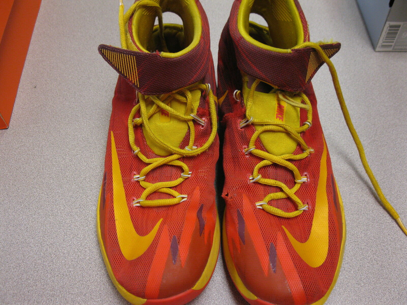 Nike Zoom Hyperdunk Mens Mens Mens shoe. red, orange, yellow size 11 c264a7