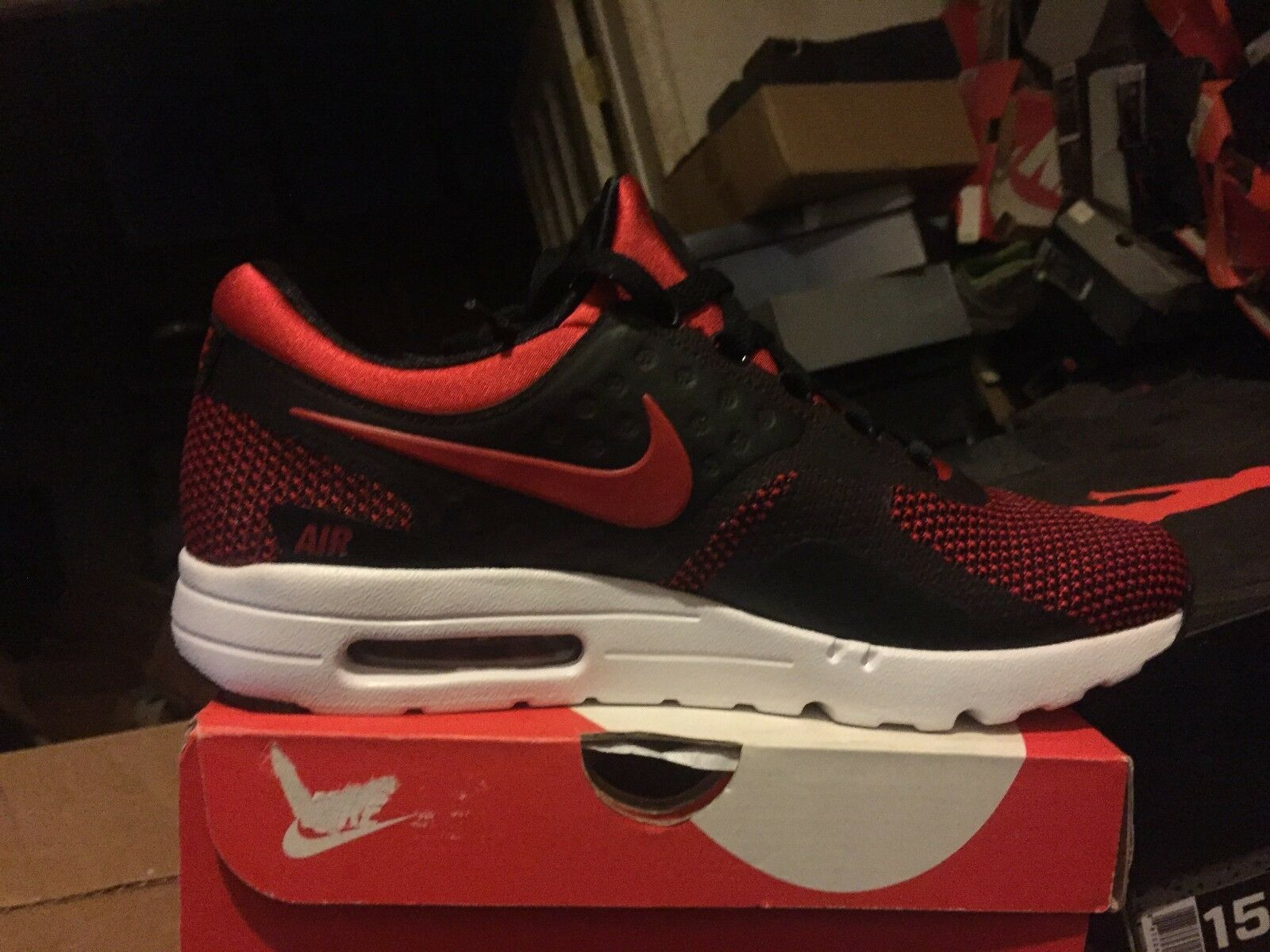 NIKE AIR MAX ZERO ESSENTIAL BNIB RED BLK WHITE SIZE 10  876070 600